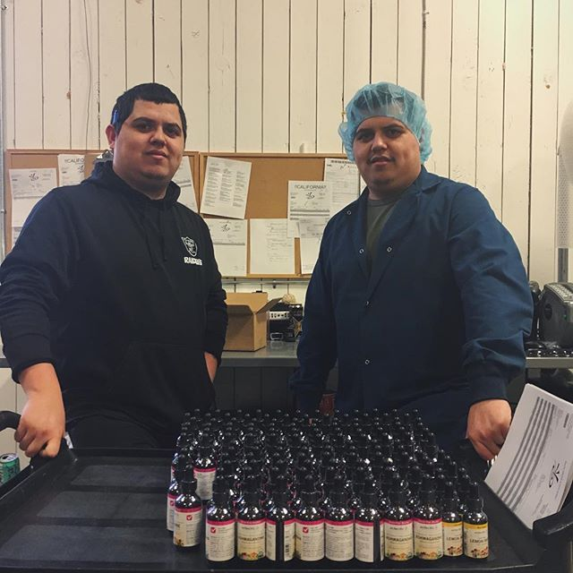 Meet Manuel and Osvaldo, our warehouse managers and in-house twins! These brothers have been with Eclectic for almost 7 years. They've worked in many different departments, including on the farm, and they were instrumental in helping us relocate to our current facility at the former McKinnon Airpark in Sandy. • Currently, Valdo is our Corporate Shipping Manager, and Manuel manages the solids department. We're so grateful for their dedication to this company! • • #employeeappreciation #employeeshoutout #twinning #oregonsmallbusiness #herbalbusiness #herbalism