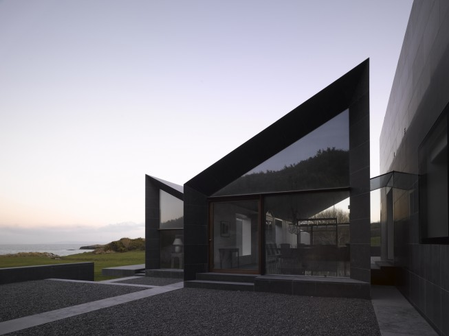 1. Traditional and Modern Juxtaposed - Architect Níall McLaughlin Architects