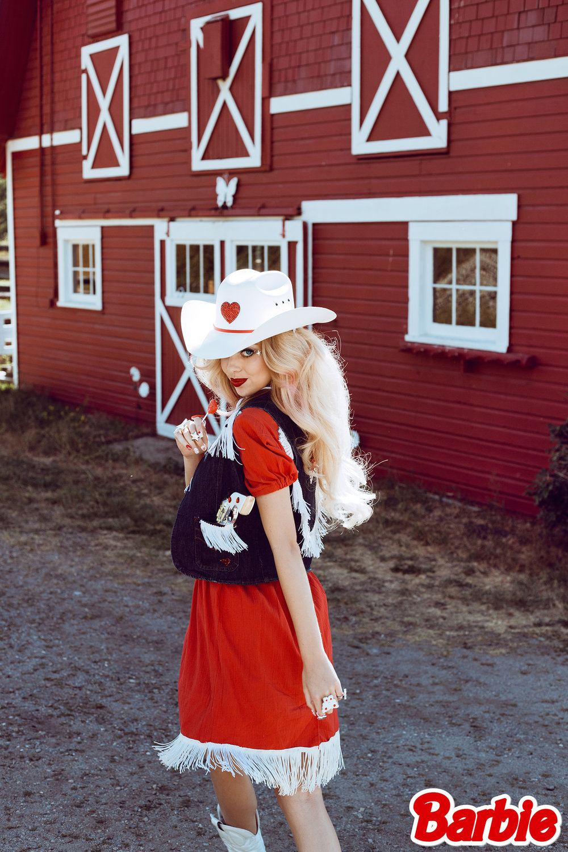 CowgirlBarbie22.jpg