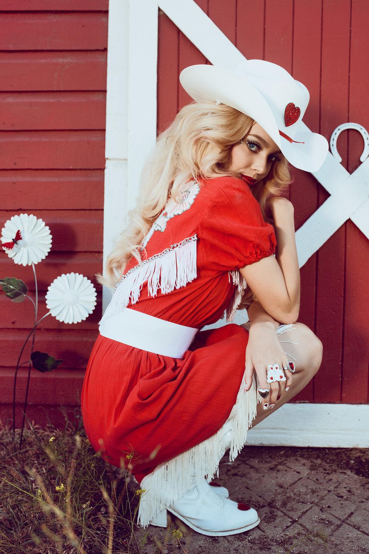CowgirlBarbie13.jpg