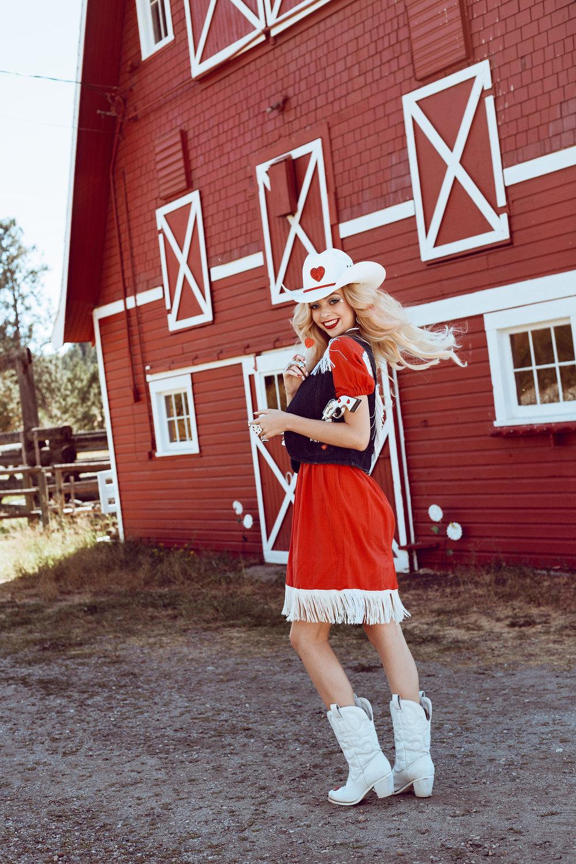 CowgirlBarbie17.jpg