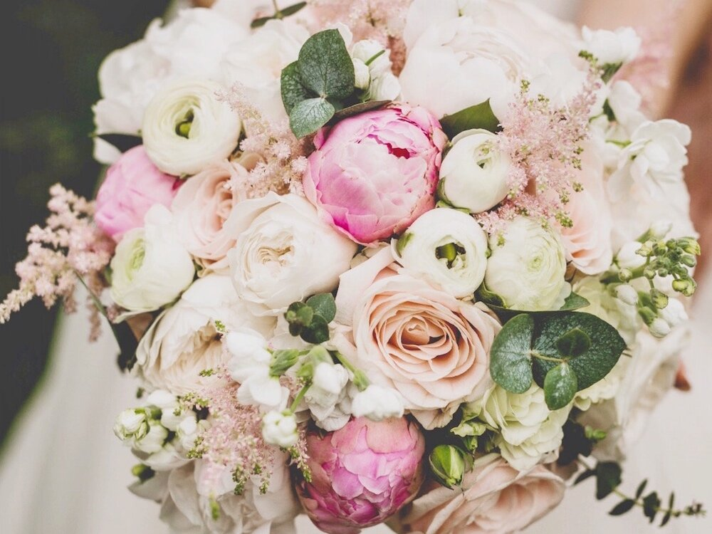 white-pink-wedding-bouquet.jpg
