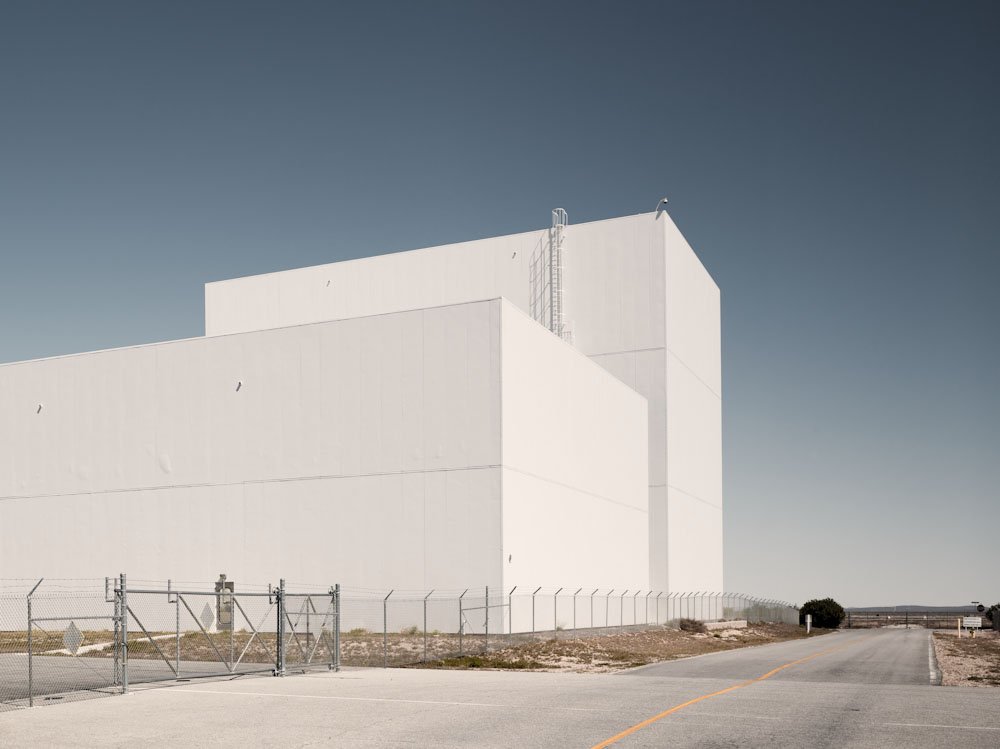 Assembly building for the Rotary Rocket Company. The Rotary Rocket Company were a contestant for the X-Prize but the project was shelved after Scaled Composites won. The next generation of space tourist vehicles are being built at Mojave by other companies such as Scaled Composites and XCOR. © Paul Freeman