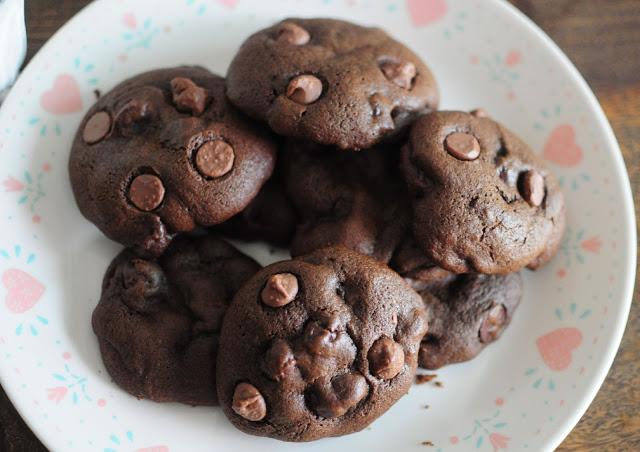 chocolate+chocolate+chip+cookies10.jpg
