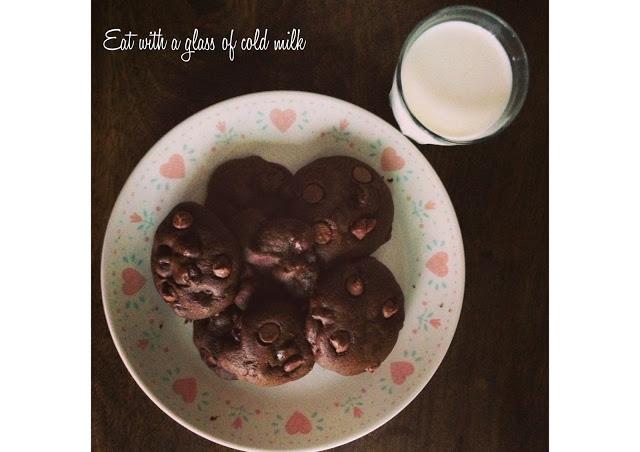 chocolate+chocolate+chip+cookies11.jpg
