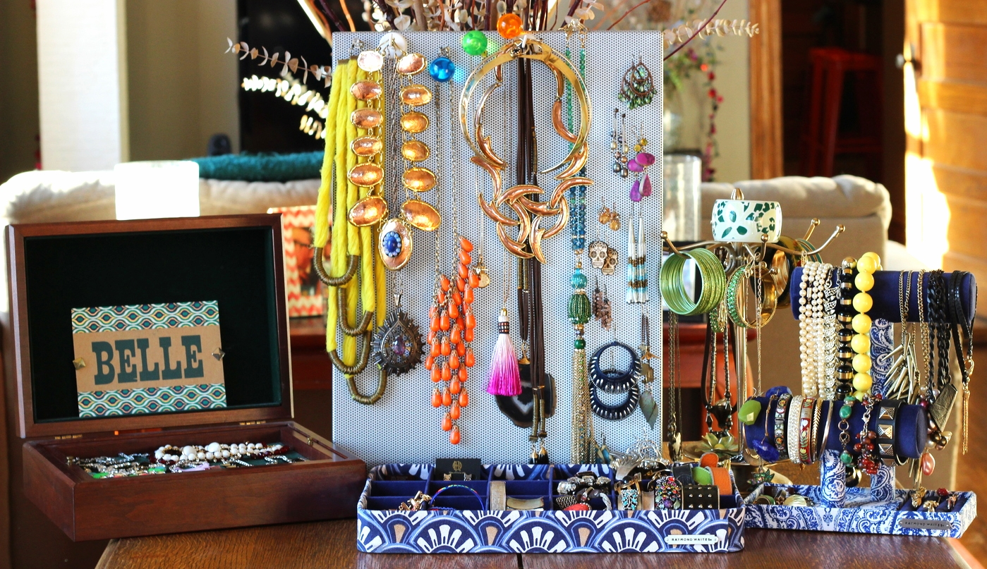 display your jewelry creatively on belle meets world blog
