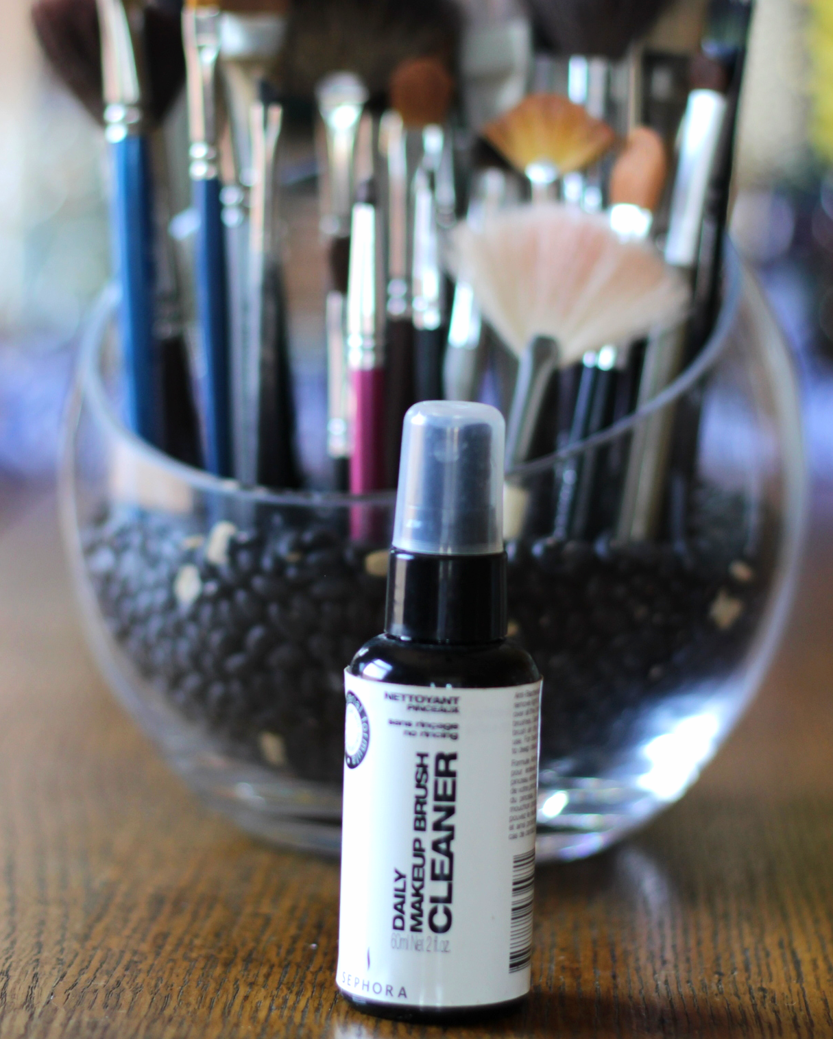 Clean your makeup brushes on belle meets world blog