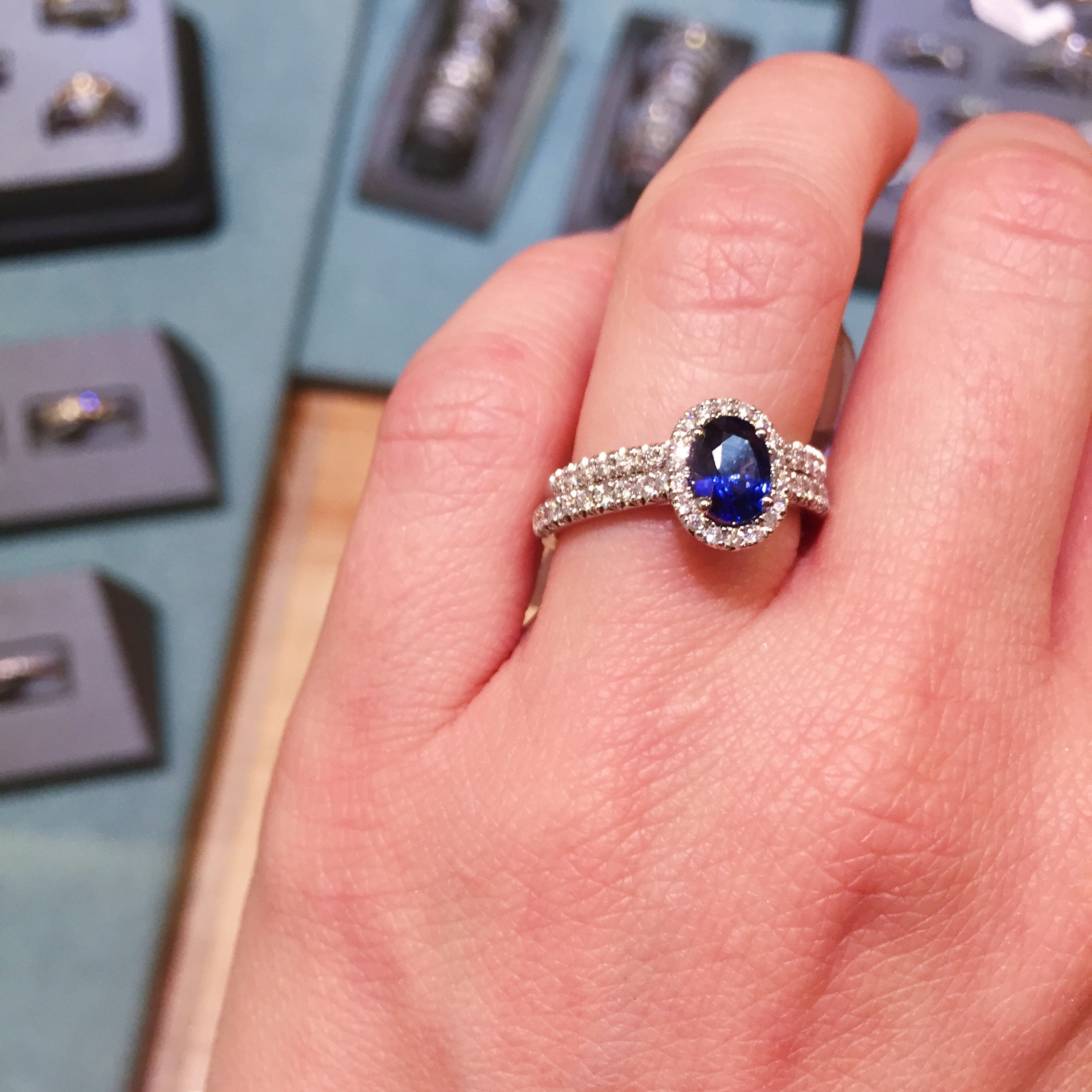 HOW TO CHOOSE AN ENGAGEMENT RING TOGETHER - Belle Meets World