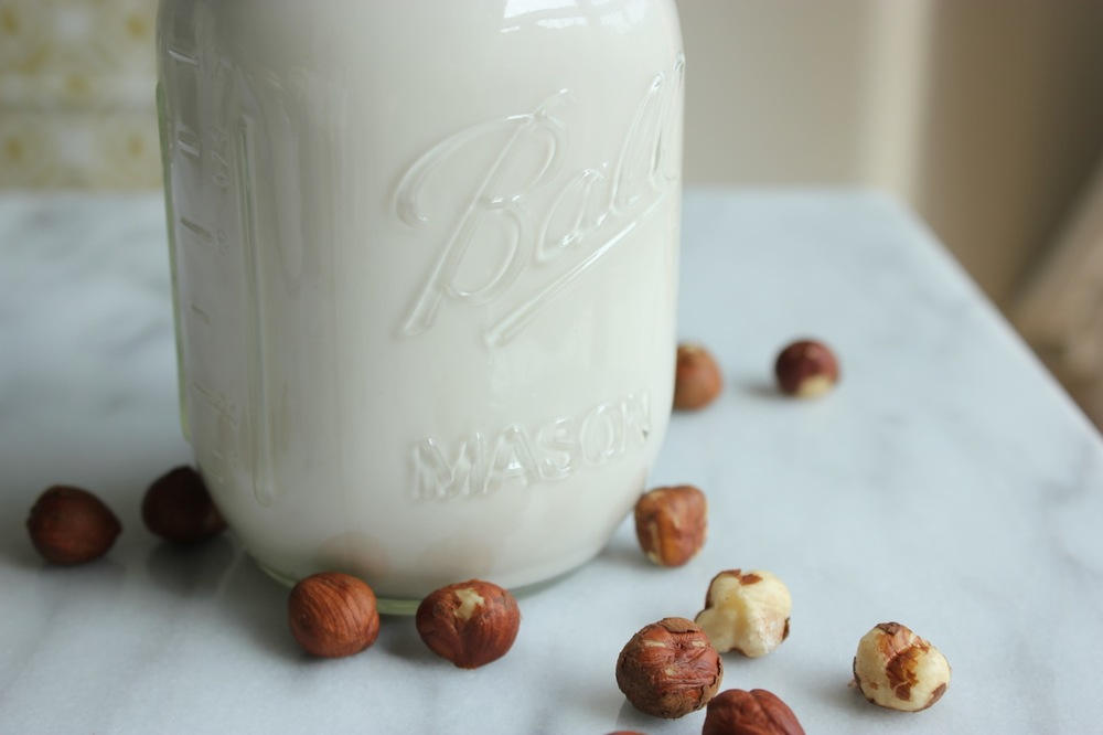 Chocolate Hazelnut Milk +Iced Hazelnut Latte | Living Minnaly09.jpg