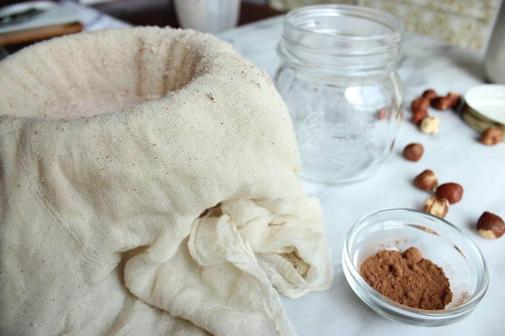 Chocolate Hazelnut Milk +Iced Hazelnut Latte | Living Minnaly06.jpg