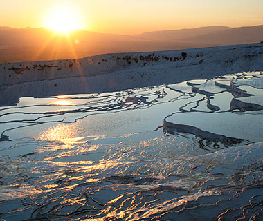 201303-w-strangest-natural-wonders-travertine-pools-at-pamukkale-turkey.jpg