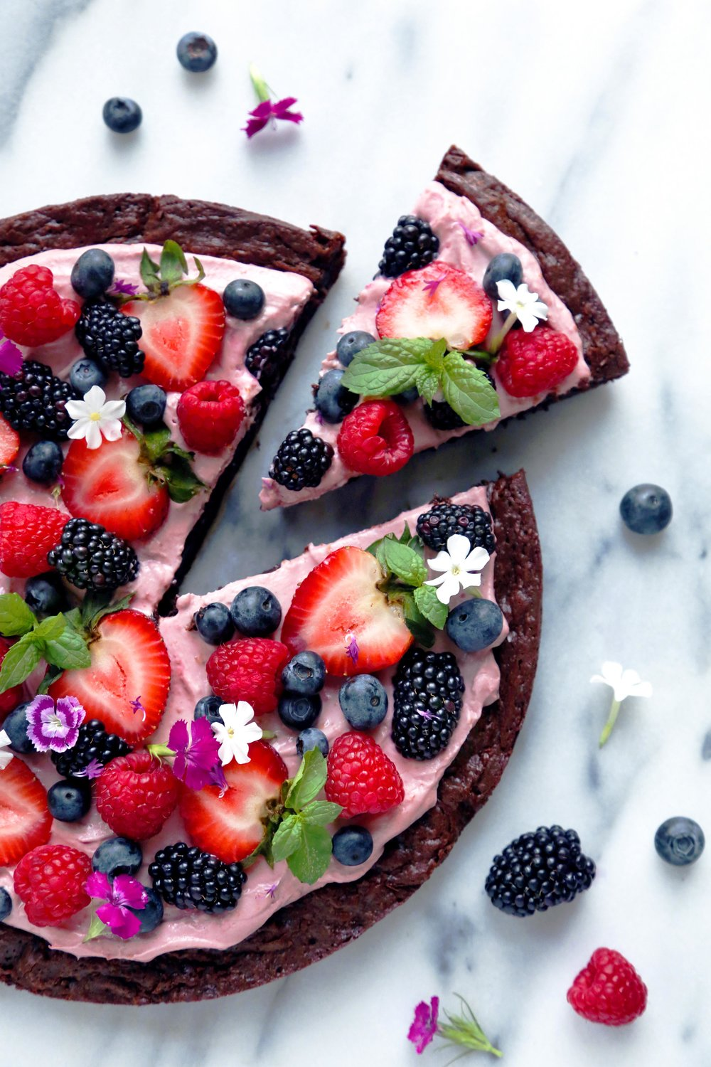 Berry Brownie Pizza.jpg