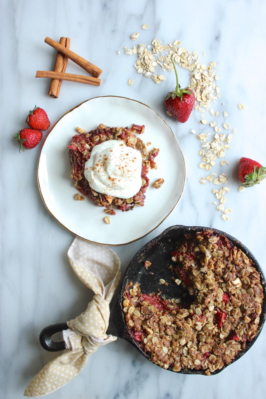 Strawberry Rhubarb Oat Crisp