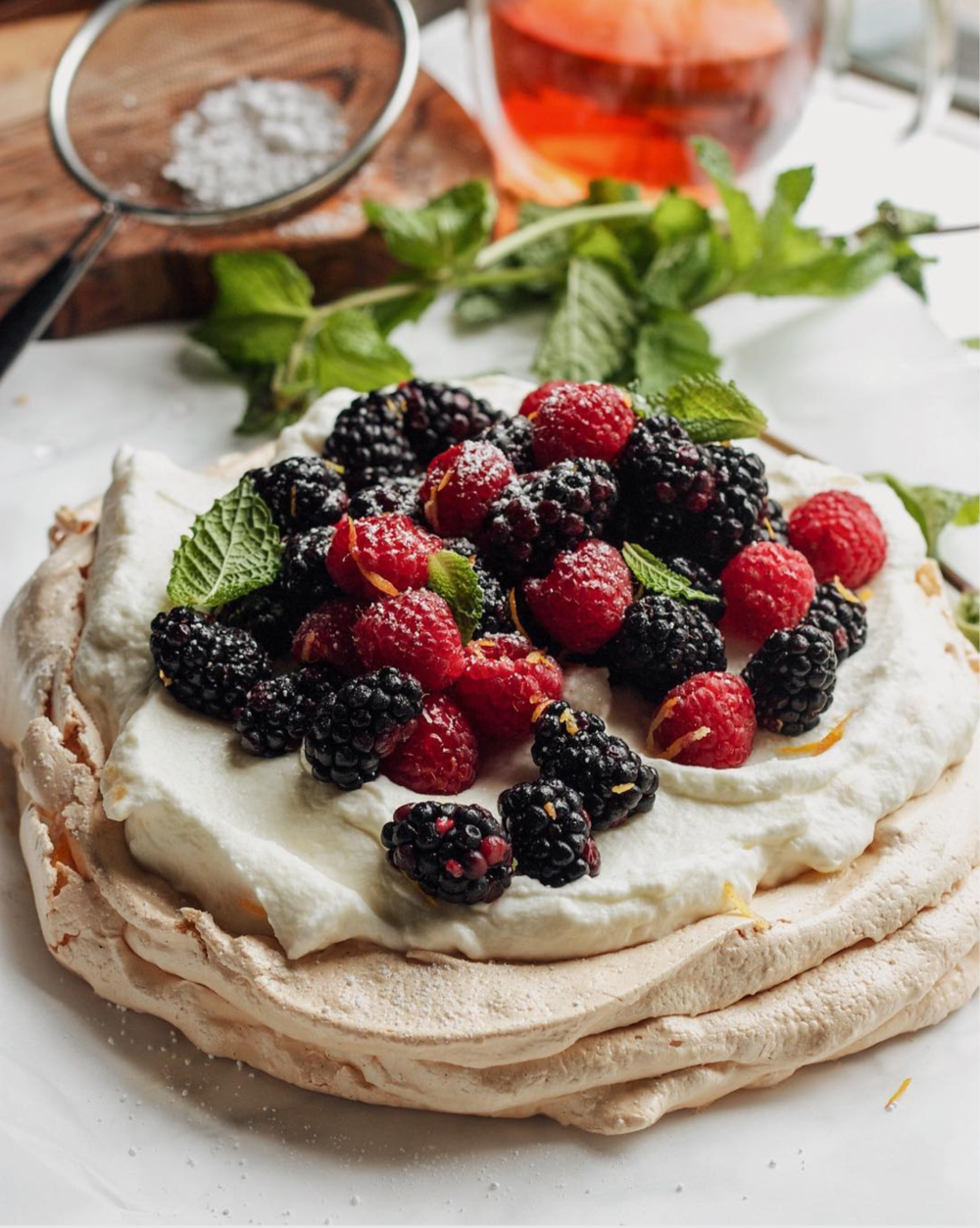 Vanilla Pavlova with Berries and Lemon Curd