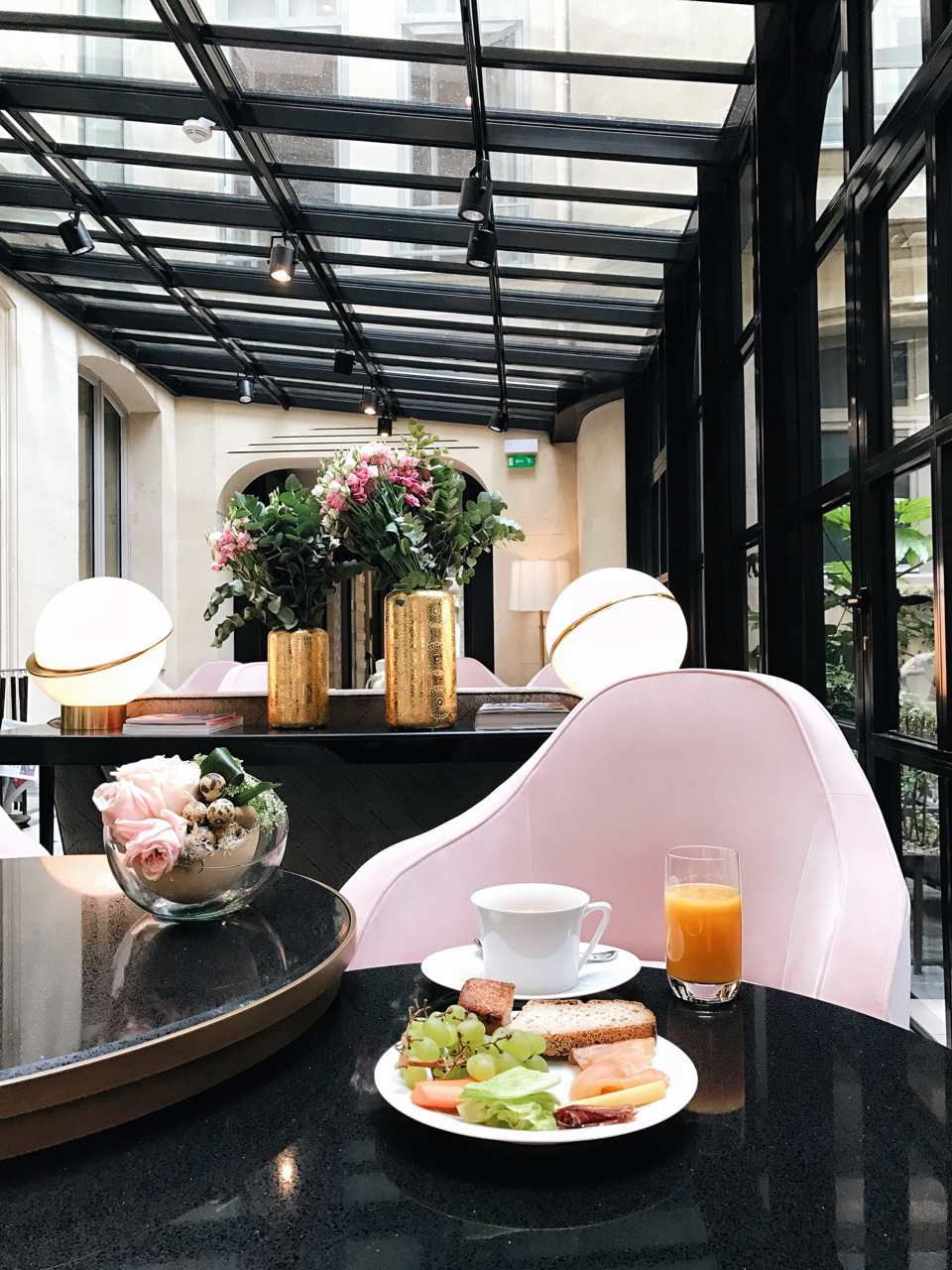 Where to Stay in Paris- Le Narcisse Blanc | Living Minnaly - 35.jpg