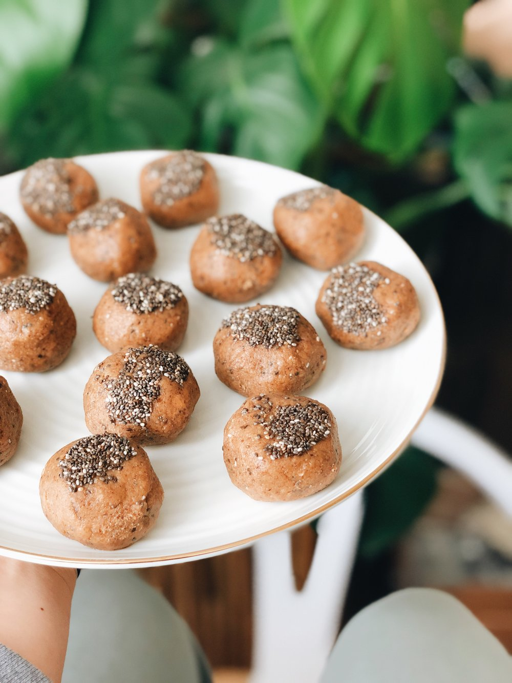 Cinnamon Pecan Chia Fat Balls | Living Minnaly _3.jpg
