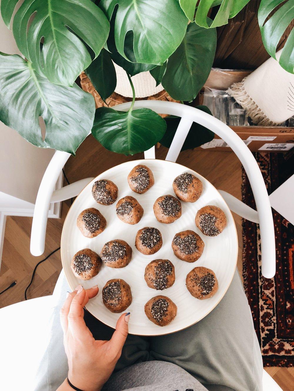 Cinnamon Pecan Chia Fat Balls | Living Minnaly _2.jpg