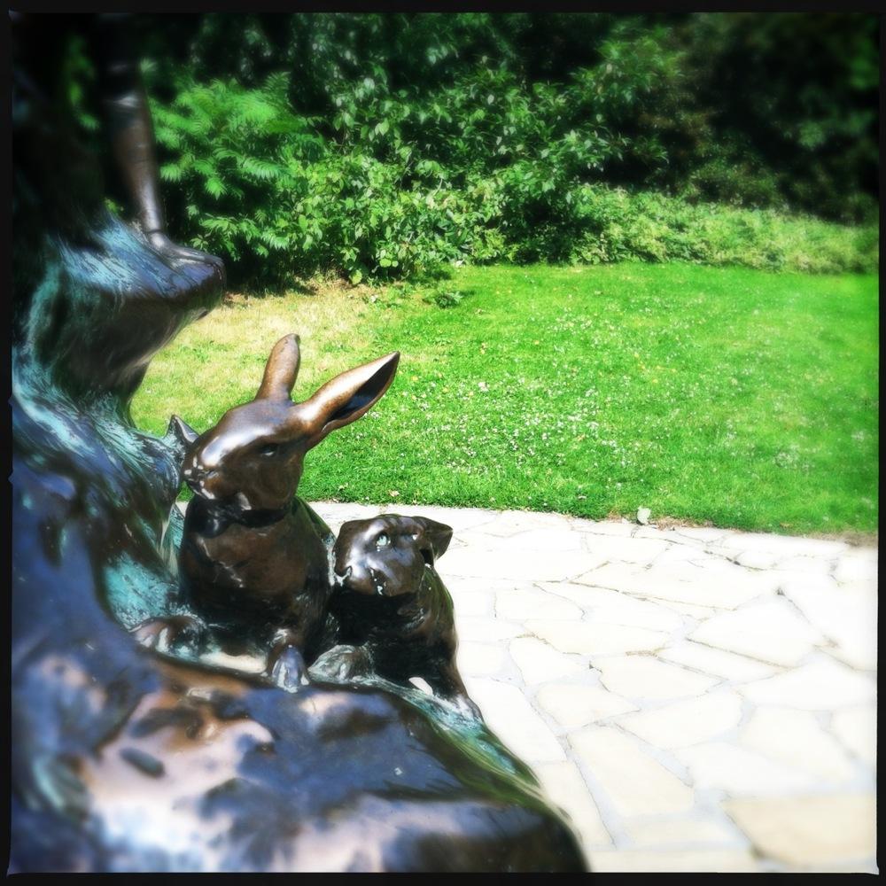 Kensington Gardens : Peter Pan statue