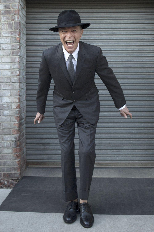 David-Bowie-suit-2016.jpg