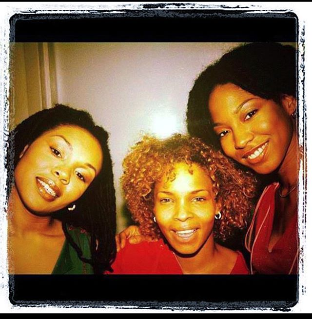Some people make your heart full when you see them. @lolaschild does that for many of us. Happy Birthday Darlin. ❤️ #sagseason #vintage #melodies #memories #song #flashback #106thandpark With @donnadisko @iamstagram @michihighlights #leonrobinson