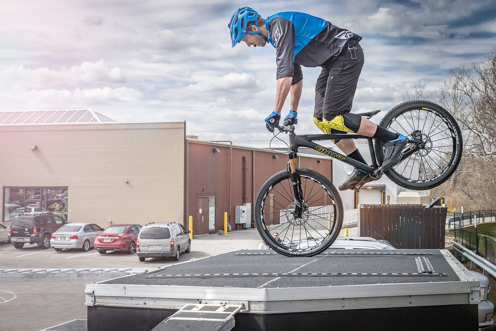 Mountain Bike Stunt - Jeff Lenosky