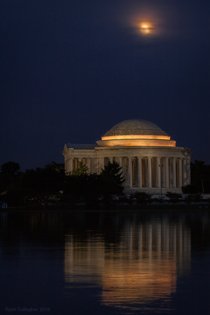 Moonrise Over Thomas Jefferson Memorial