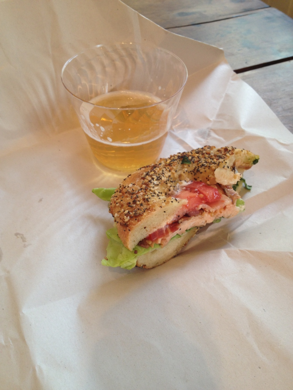 shandi + everything bagel smoked salmon samwich= I'll have another please and thank you