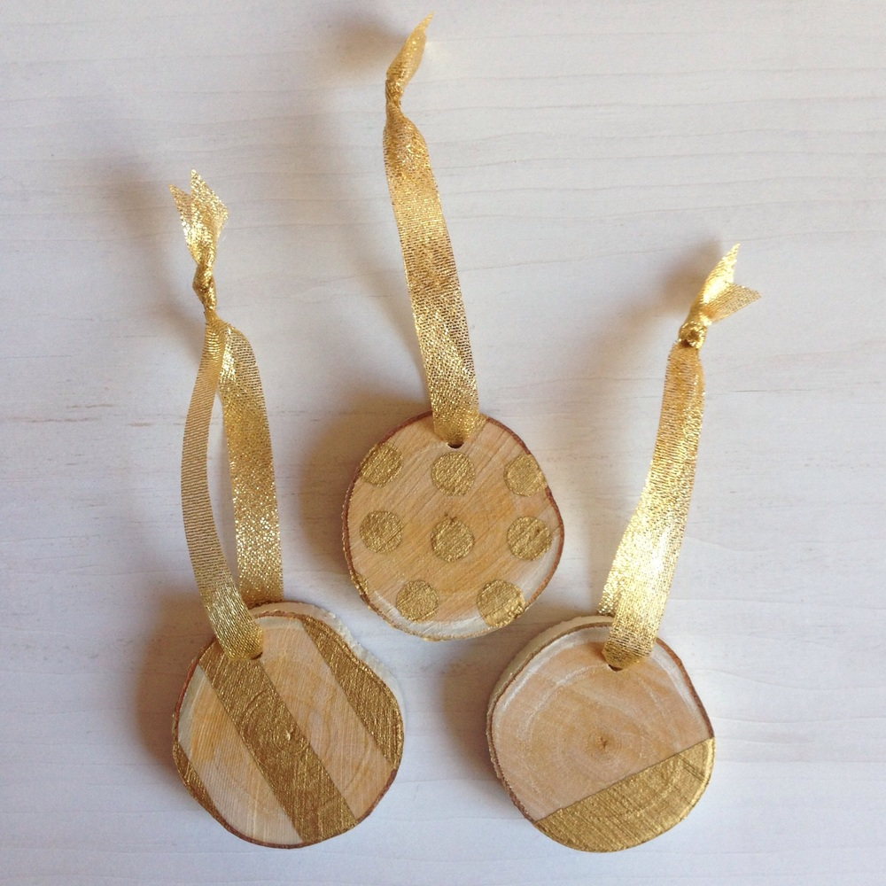 Gold-painted birch ornaments - so luxe
