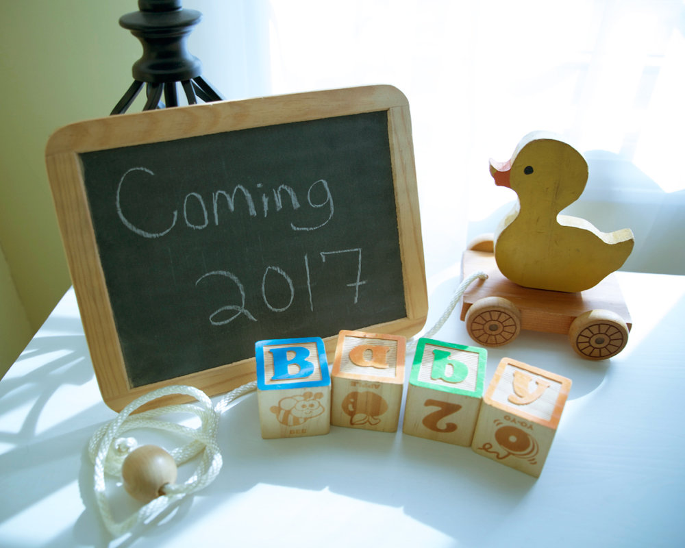 Cute pregnancy announcement idea!