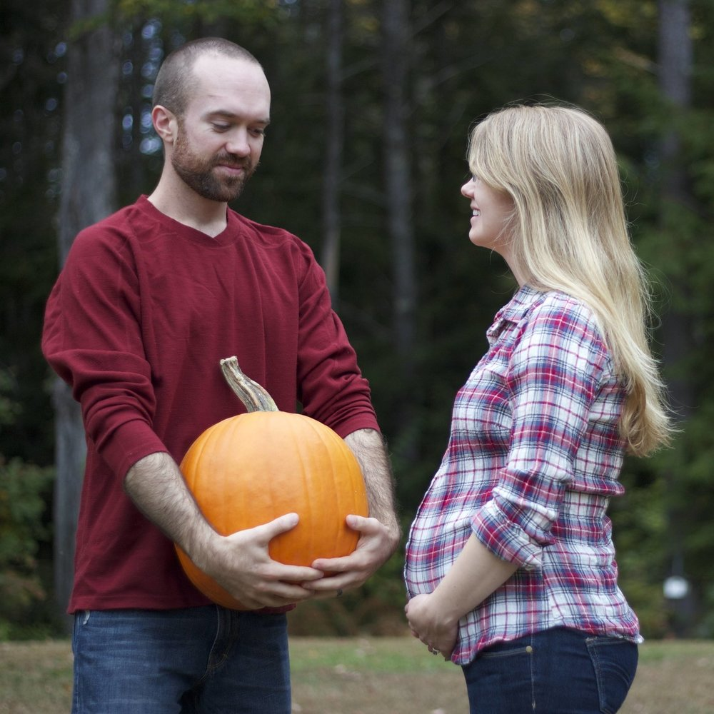 Cute Fall Maternity Photo with Pumpkin