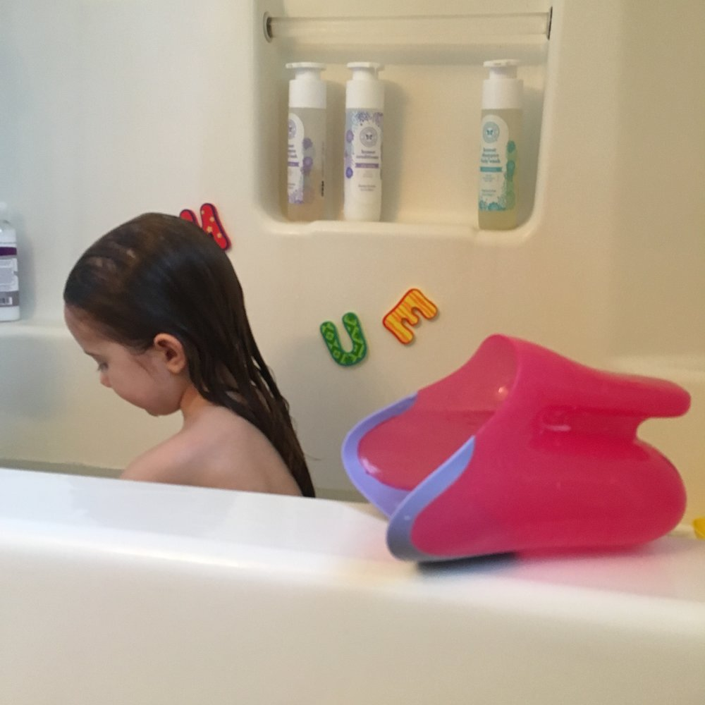 Nuby Bath Letters and Tear-Free Rinse Pail