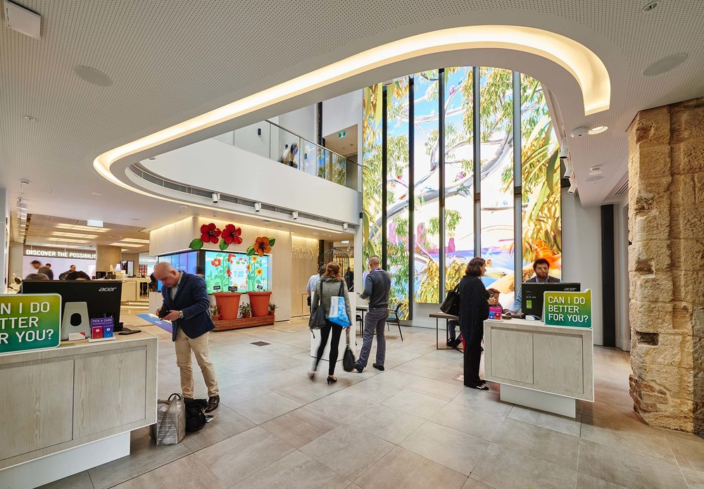 Telstra_store_interior_150611_0267.jpg