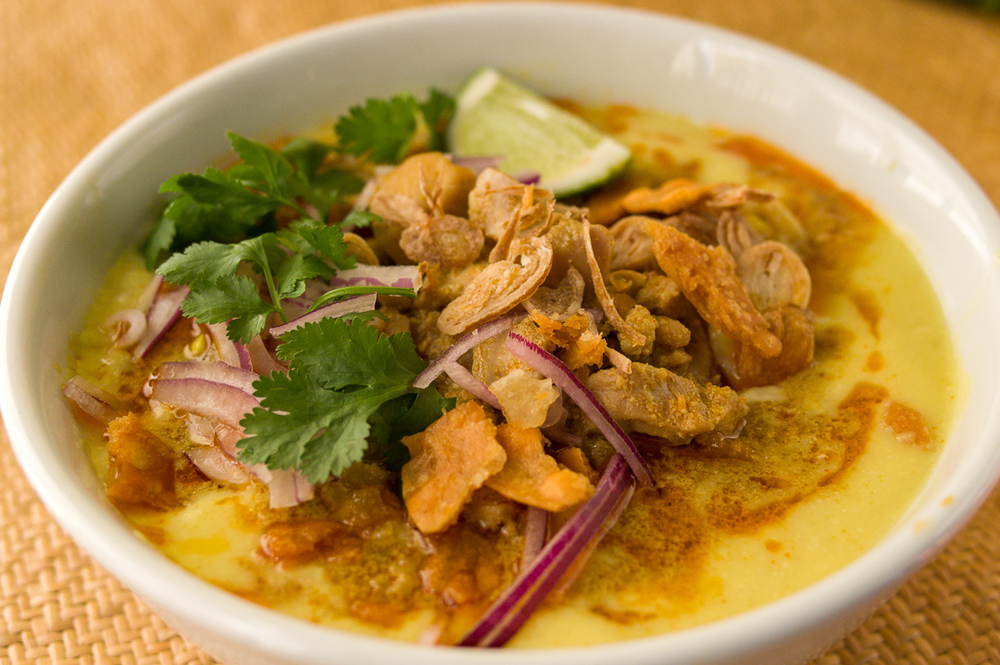 #2 Coconut Chicken Noodle Soup (Ohn No Khauk Swe')- $10