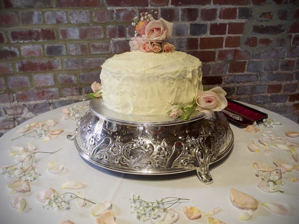 Simple wedding cakes london.jpg