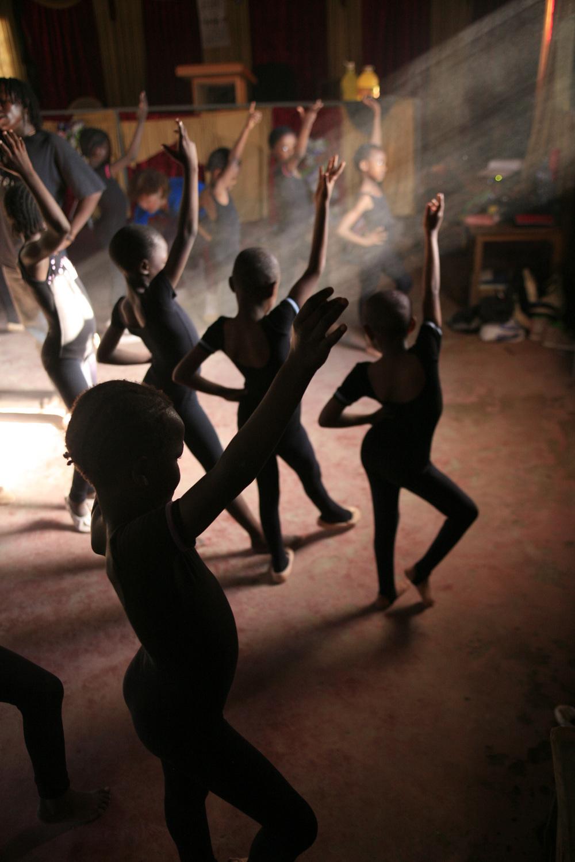 Ballet class Mathare.jpg