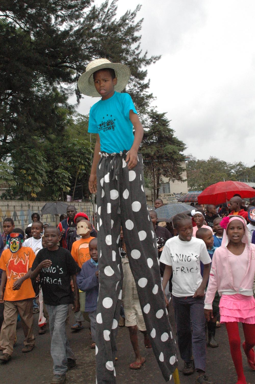 Circus - parade Majengo.JPG