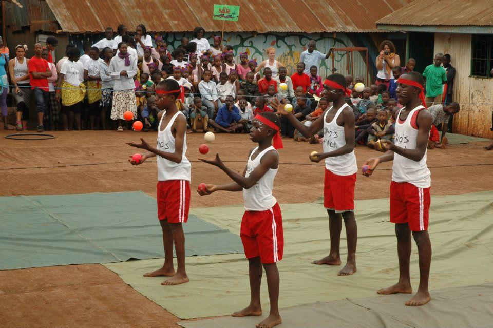 Circus jugglers Kibera.jpg