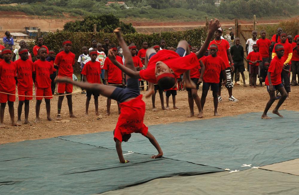 Circus acrobats Kibera.jpg
