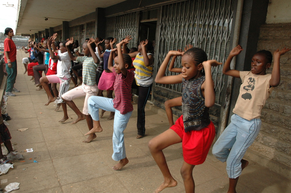 Dance - traditional - Mathare.JPG