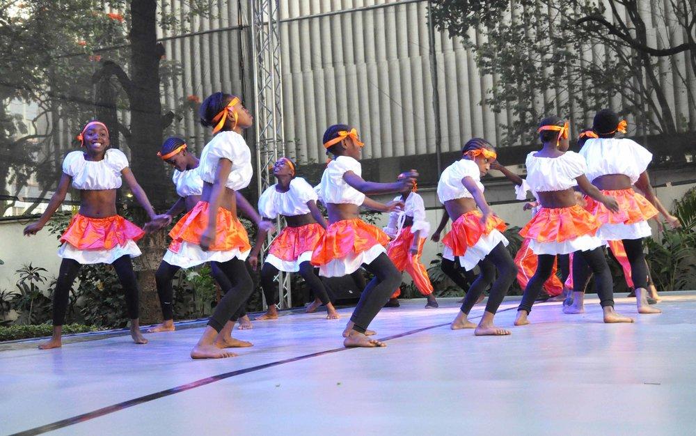 DSC_0763  trustees  8 trad dance.jpg