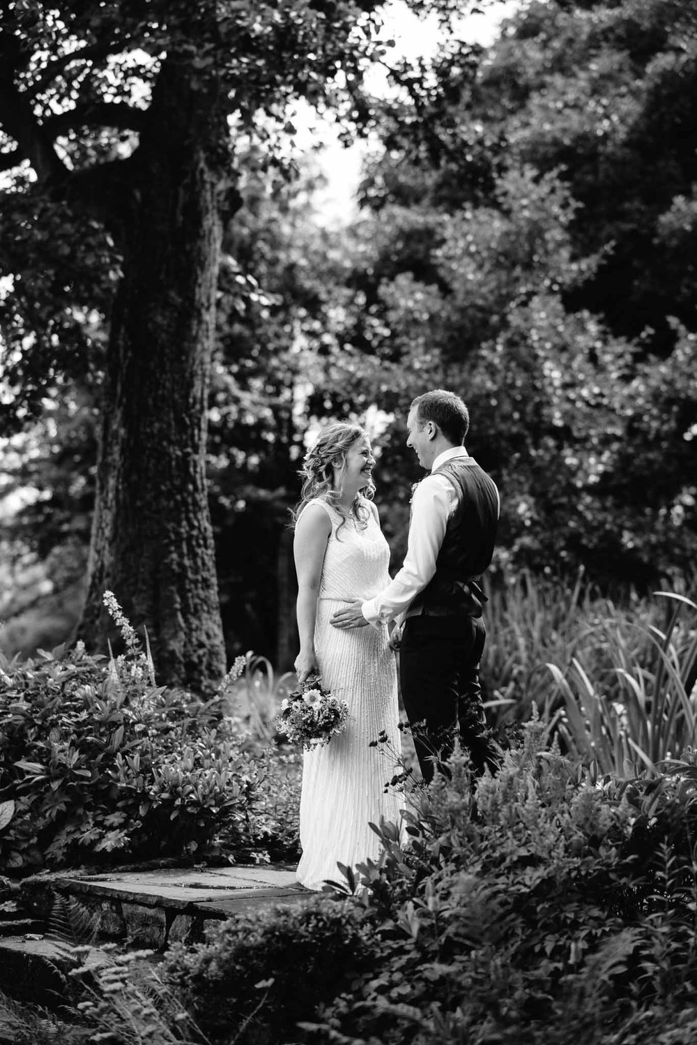 The_Ashes_Barns_Country_House_Wedding_Emma_Hare_Photography_Bev_Nathan-33.jpg