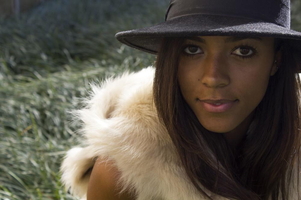 Bianca-hat1.jpg