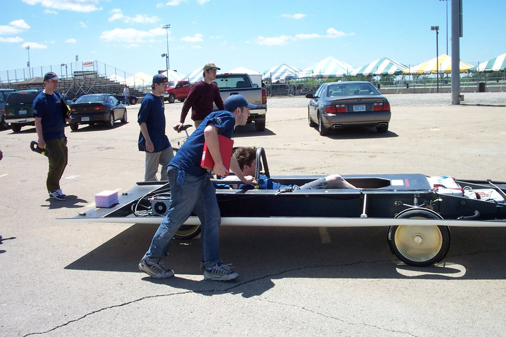 will pushing chassis at FSGP2002.jpg