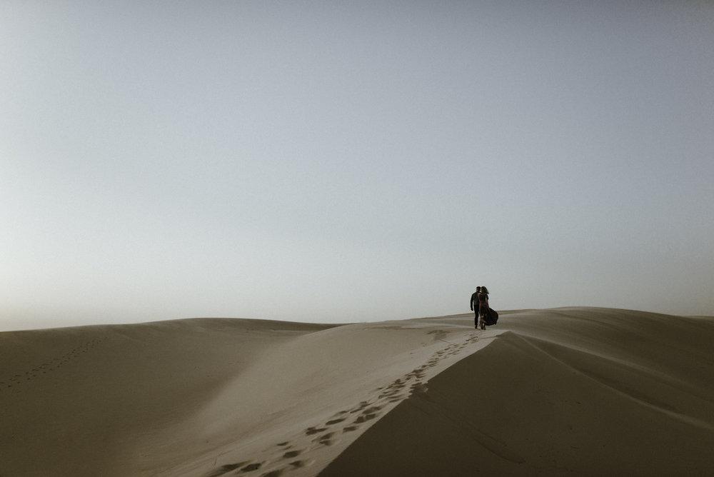 Garrett + Haylee - Monahan Sand Dunes: Engagement