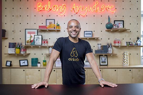 Jonathan Mildenhall<br>CMO, Airbnb