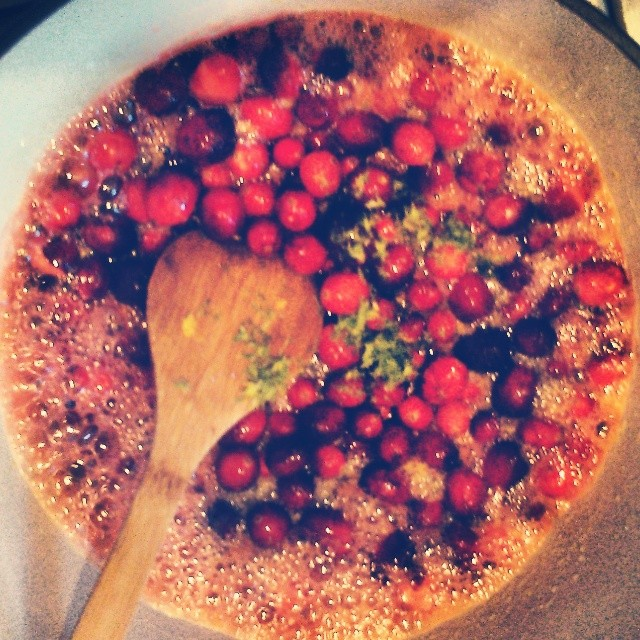 These cranberries will NOT be sidelined as a turkey afterthought, oh no. These babies are goin' straight into margaritas.