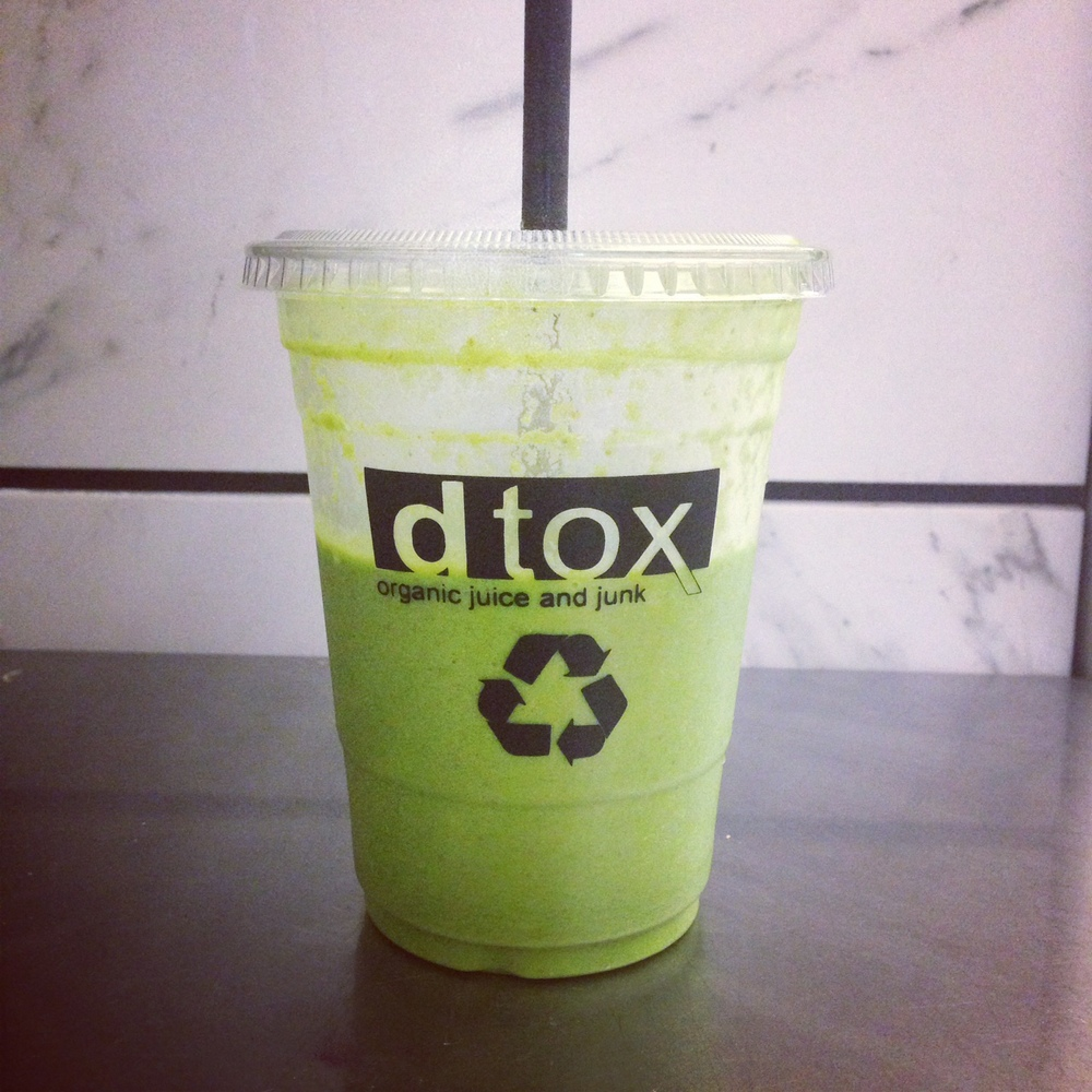 7:15 am Dtox Juice for The Smoothie