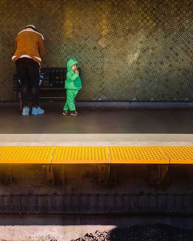 Lollipop . . . . #torontophotography #streetphotography #torontonian #streetphotographers #torontophotographer #streetsoftoronto #streetshot #torontophoto #toronto_insta #cityphotography #toronto #torontoblogger #citylife #streetstyle #streetgram #torontolife #urbanphoto #urbanphotography #visualtoronto #exploretoronto #candidphotography #citygrammers #streetxstory #streetphotographyinternational #streettogether #photodocumentaryproject #ttc #subway #davisville