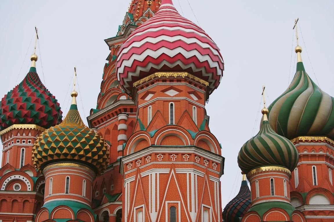 maddie-mae-photography-maddie-wilbur-madeleine-wilbur-moscow-travel-photography-russia-travel-photography-international-wedding-photographer-moscow-metro-stations-moscow-underground-palaces 1