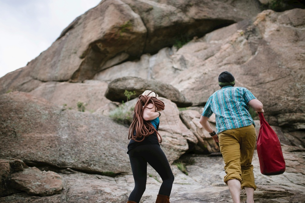 Love this epic adventurous engagement photoshoot by Maddie Mae Photography // Rock Climbing Engagement Photo shoot